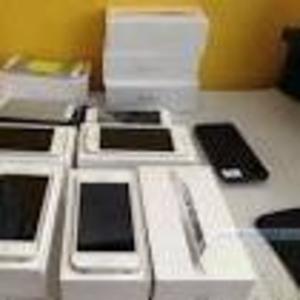Apple iPhone 5..Samsung Galaxy S IV..Apple iMac..Nikon.Canon