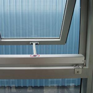 Віконна автоматика та доводчики для фрамуг.