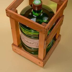 Доставка питної води у скляних бутлях